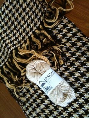 Hand weaving by Gaynor Jones using Bearhouse Alpacas Wool